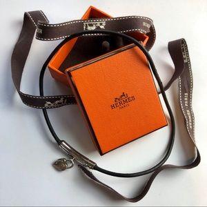 HERMÈS Silver Heart Idea Leather Choker Necklace